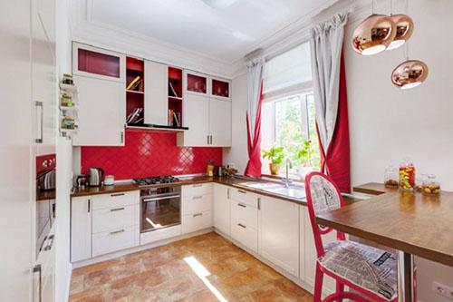 Дизайнерские шторы в кухню